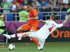 Эпизод матча Нидерланды - Дания. Фото РИА Новости, Александр Мысякин