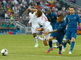 Эпизод матча Франция - Англия. Фото Reuters
