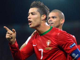 Криштиану Роналду празднует гол в ворота голландцев. Фото Reuters