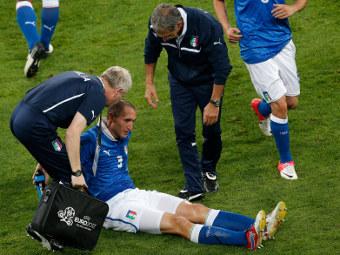 Травма Кьеллини. Фото Reuters