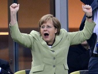 Ангела Меркель на матче Греция - Германия, фото (c)AFP