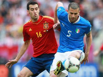 Тьяго Мотта (справа) в матче с Испанией. Фото РИА Новости, Антон Денисов