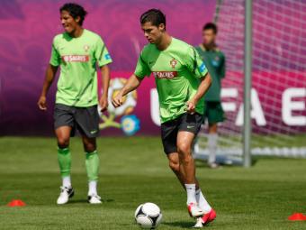 Бруну Алвеш и Криштиану Роналду на тренировке. Фото Reuters